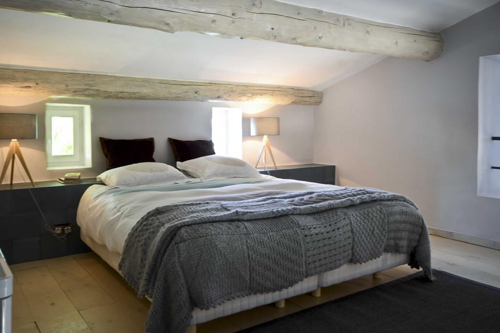 Gordes Suite bedroom