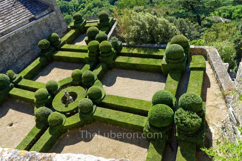 Formal garden in ansouis castle