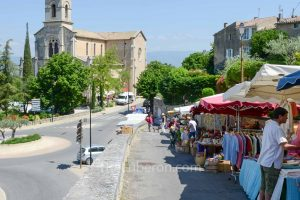 Bonnieux Friday morning market and church