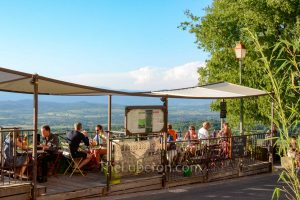 Pizzeria with view in Bonnieux