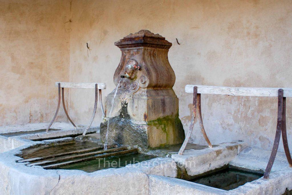 Cabrieres d'Avignon washing fountain
