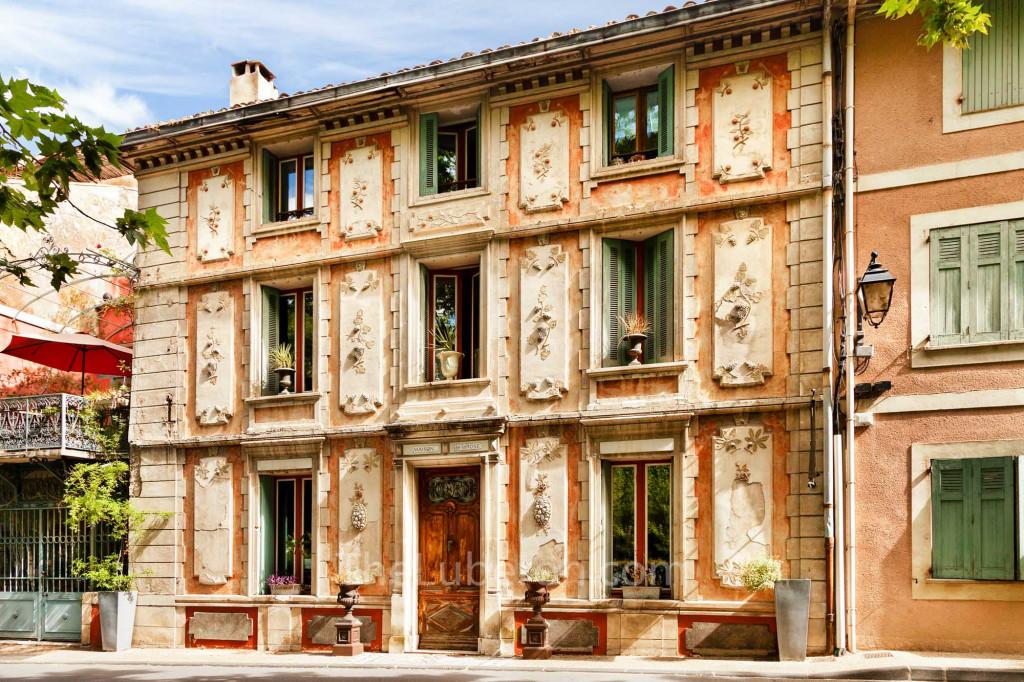 House facade in Fontaine-de-Vaucluse