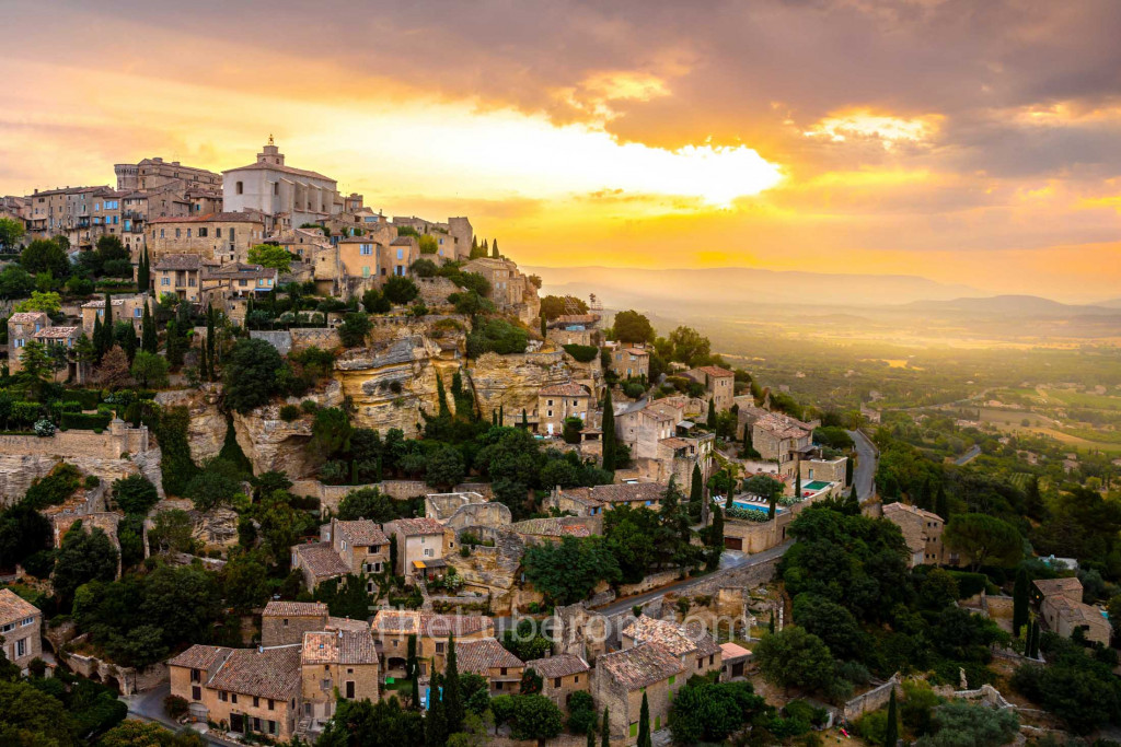Cloudy view of Gordes