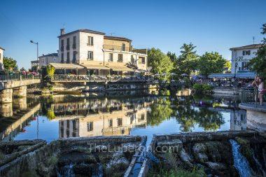Riverside restaurants in l'Isle-sur-la-Sorgue