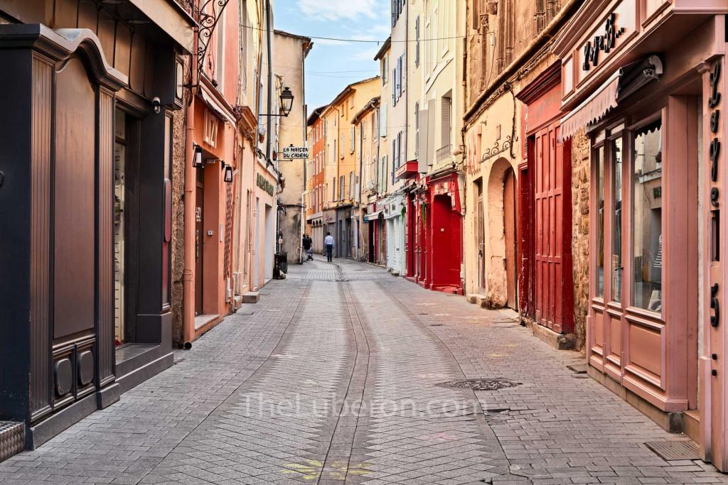 Old part of town, l'Isle-sur-la-Sorgue