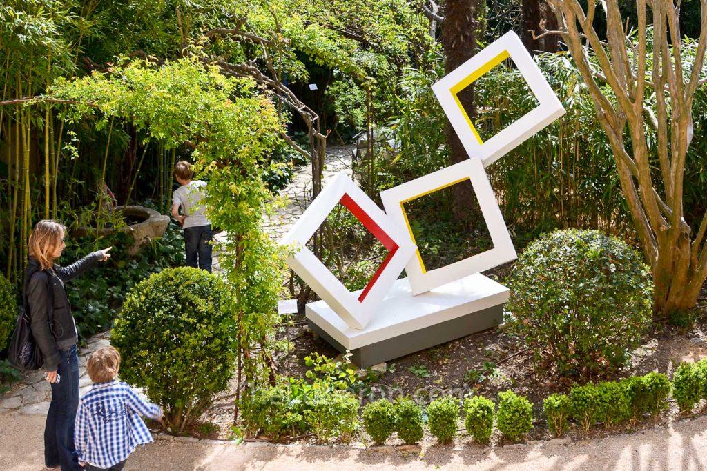 Villa Dauris sculpture garden