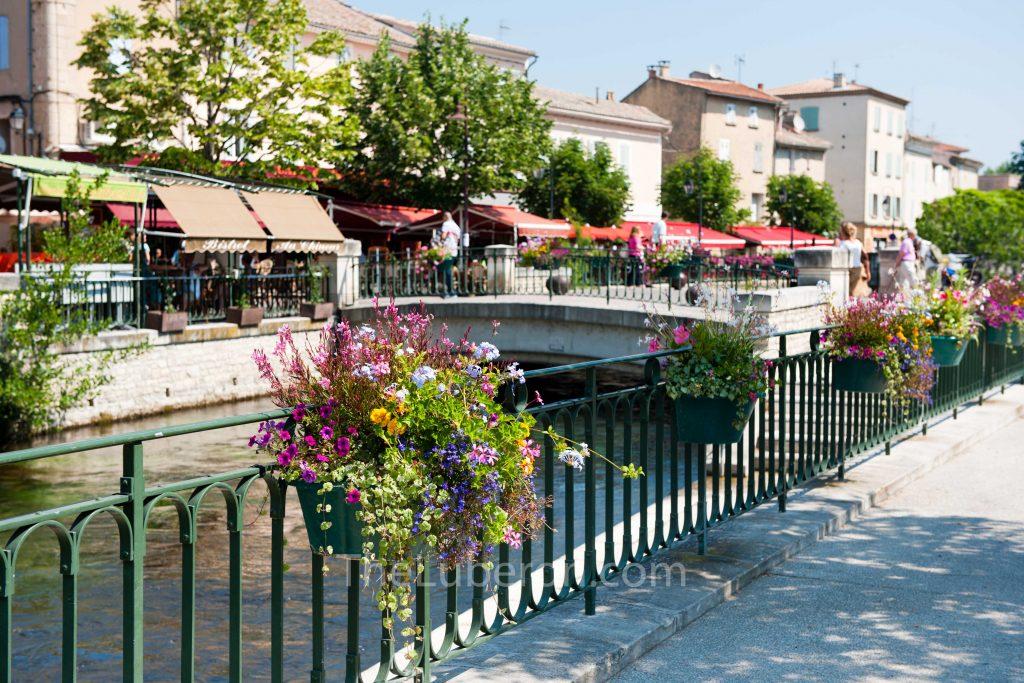 L'Isle-sur-la-Sorgue town centre