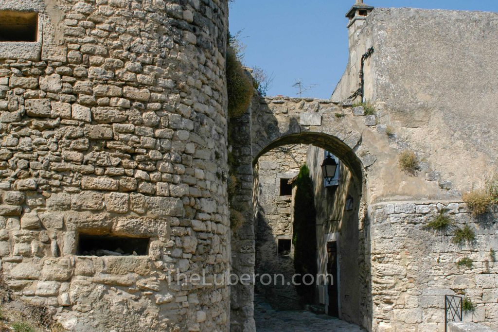 Archway in Lacoste