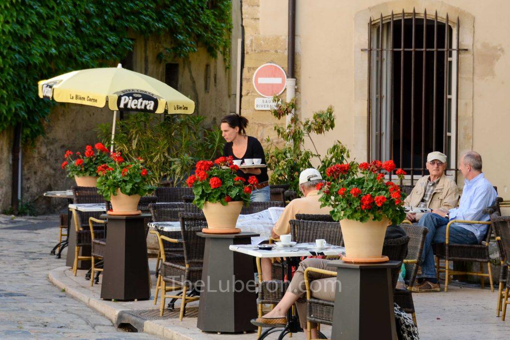 Lourmarin cafe service