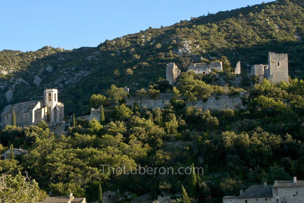 Oppede-le-vieux castle and church
