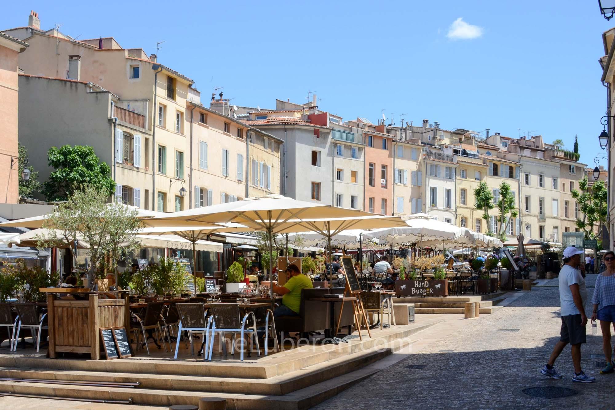 Aix square full of restaurants