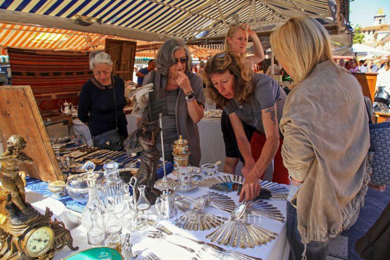 L'Isle-sur-la-Sorgue Sunday market