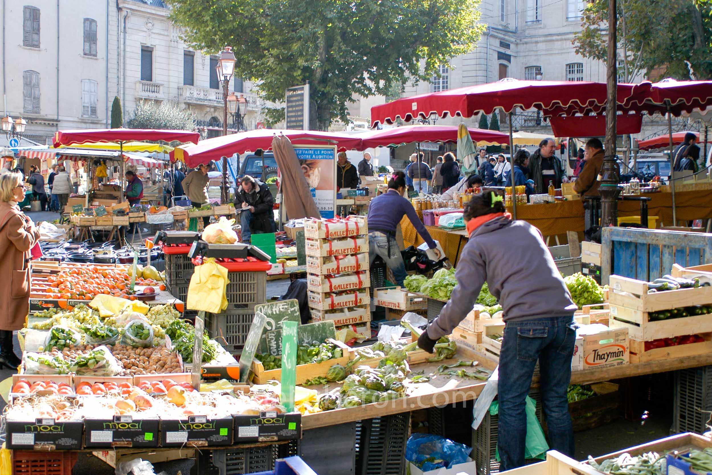 Fruit and vegetables at Apt market