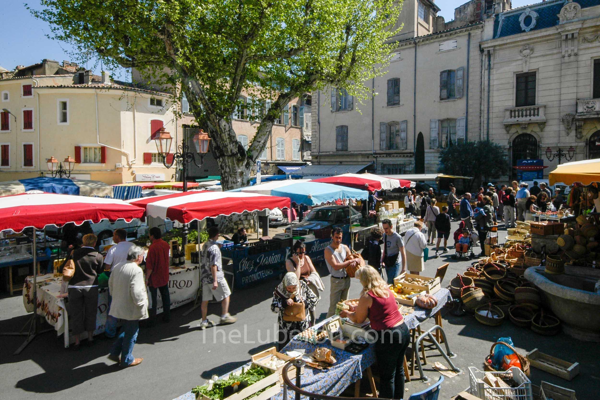Pretty square at Apt market