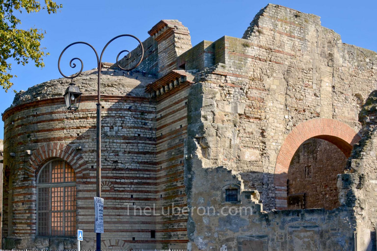 Thermes de Constantine, Arles