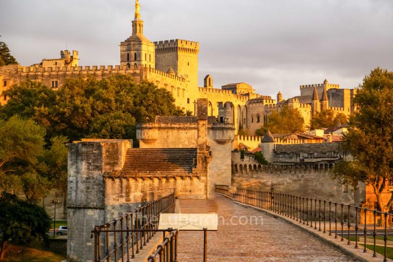 On the Pont d'Avignon
