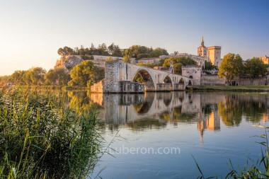 Old bridge and Avignon