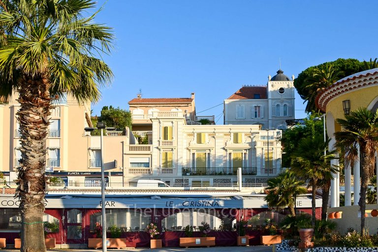 Seafront in Bandol