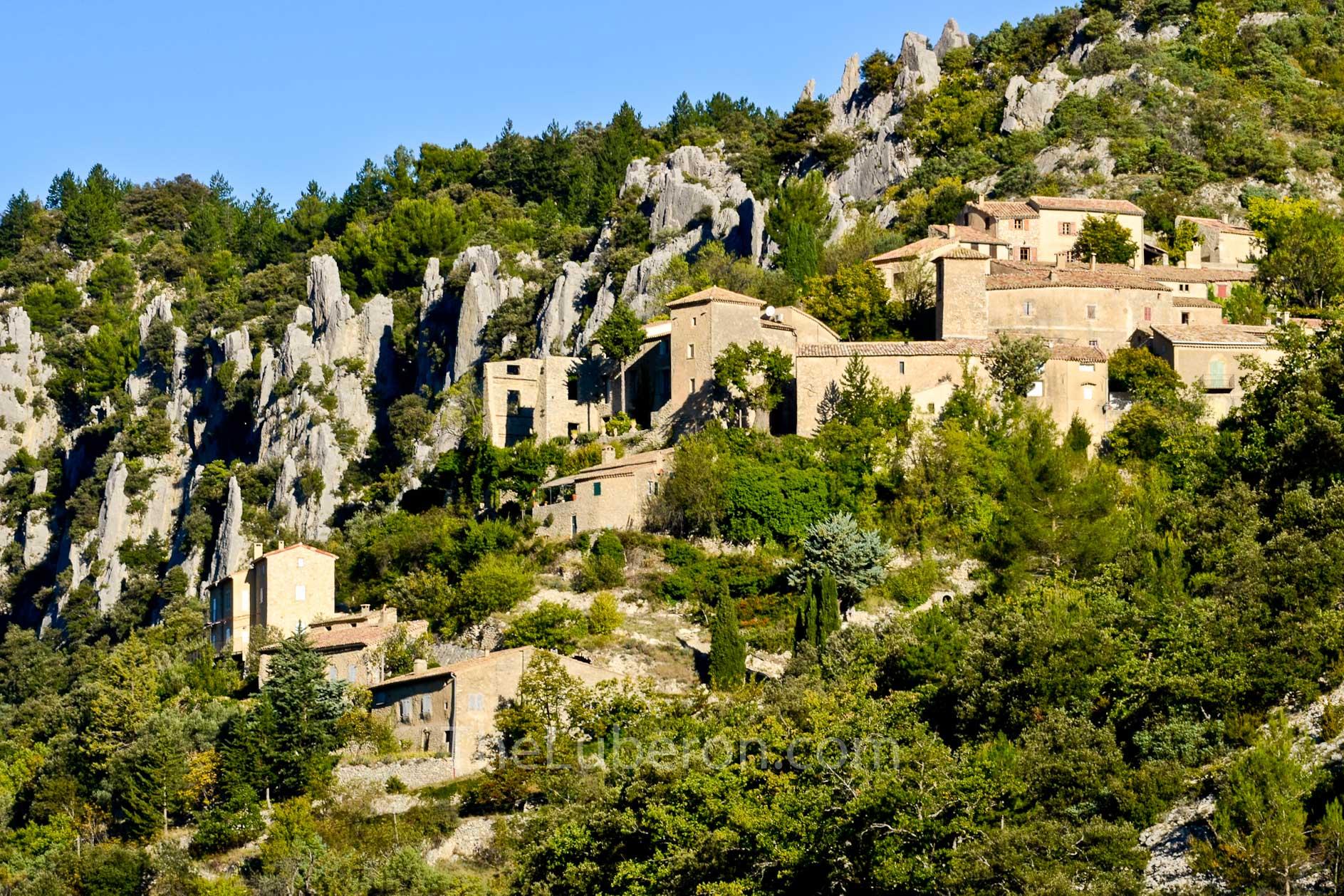 Brantes village in the Ventoux