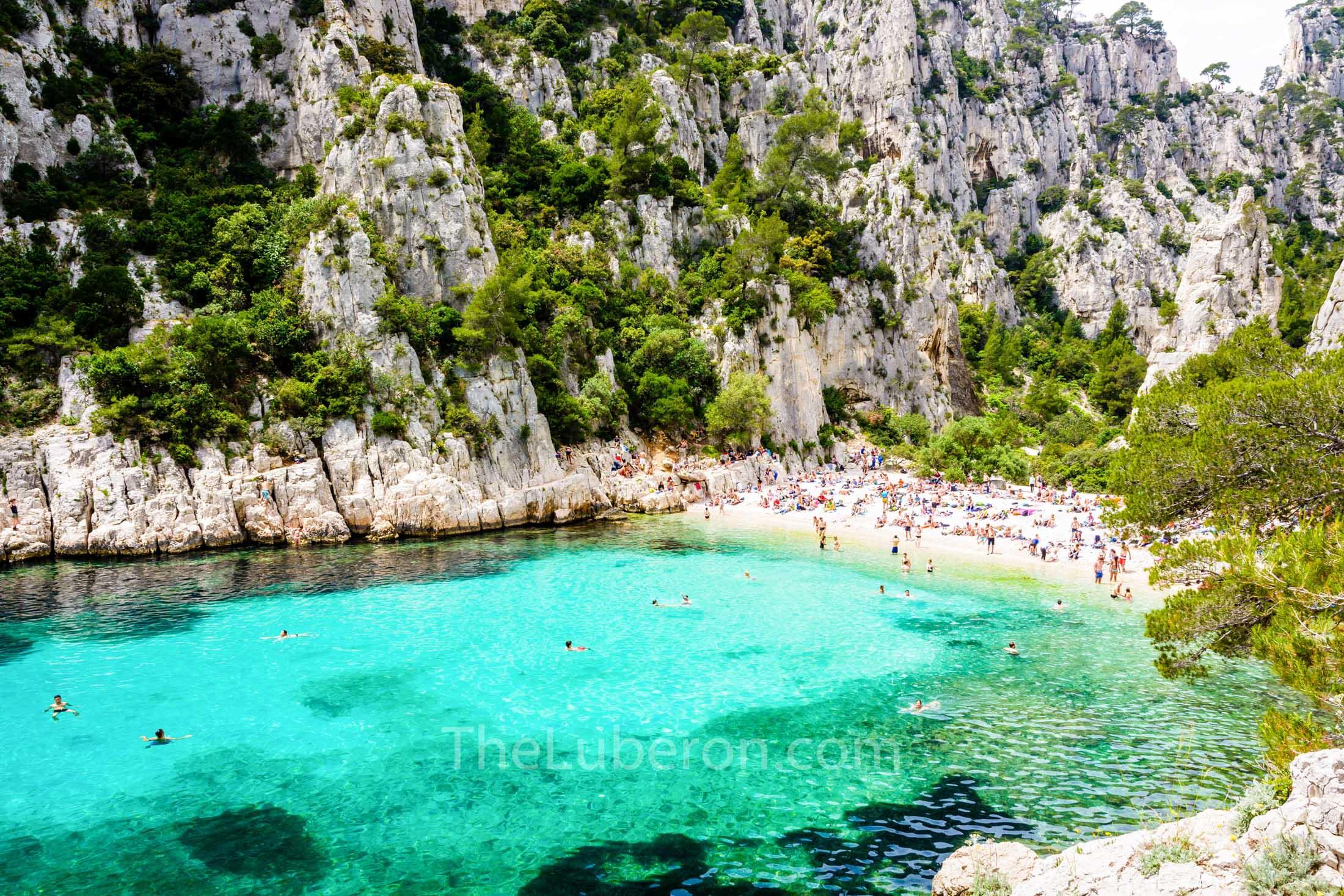 Calanque d'En-Vau beach scene
