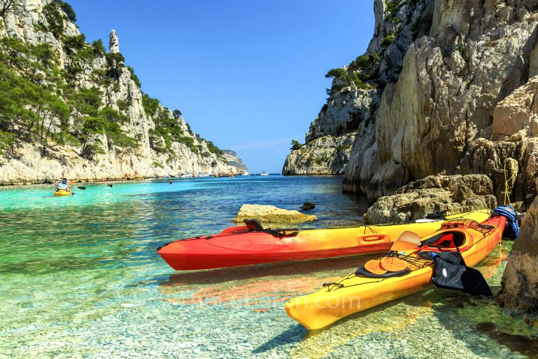 Kayaks in Calanque d'En-Vau