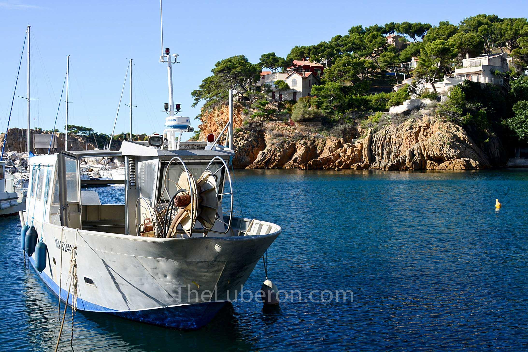 Fishing boat at Ensues-la-Redonne, Cote Bleue