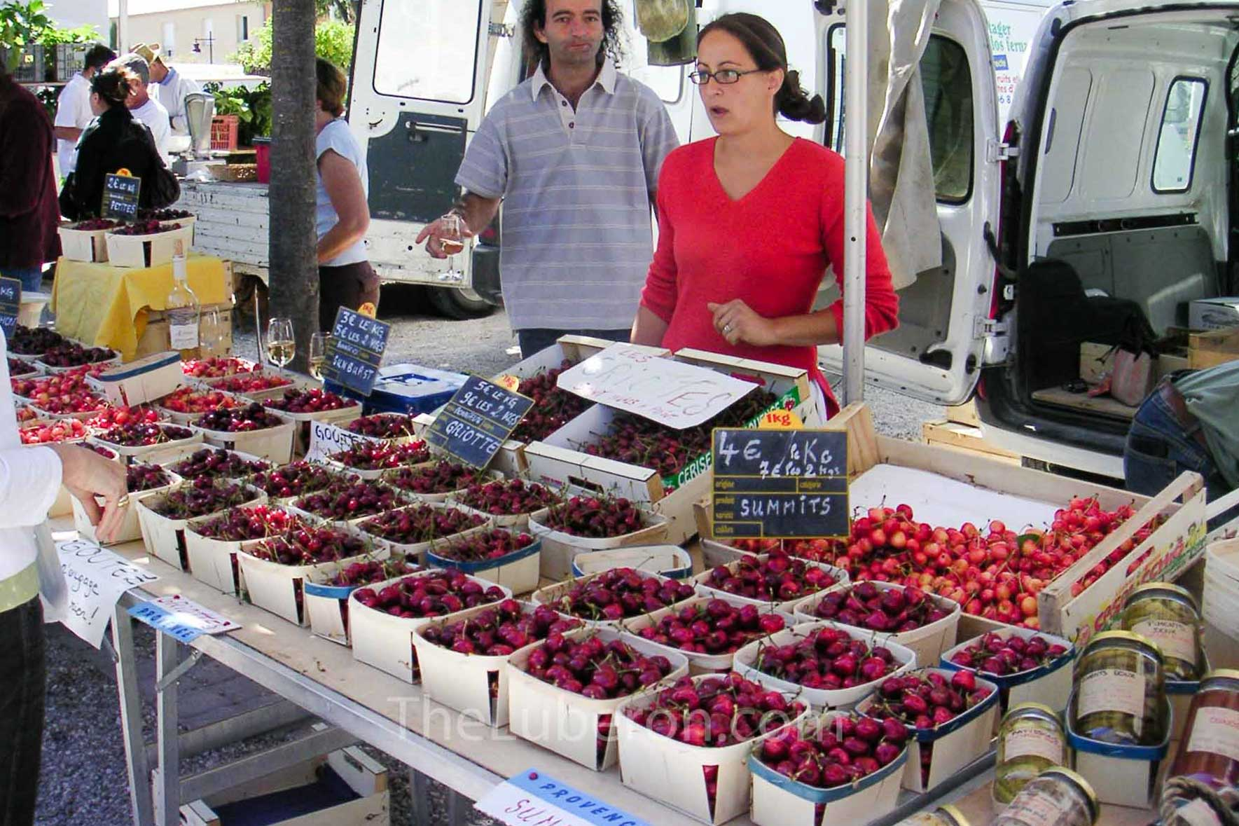 Cherries for sale at Coustellet farmers' market