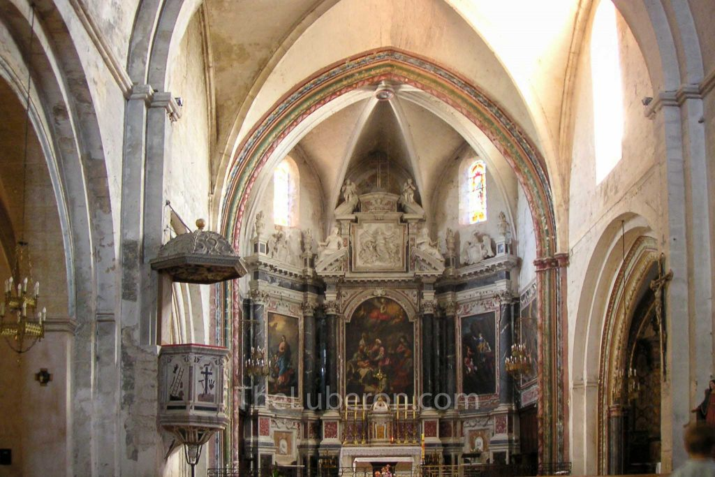 Church interior Cucuron Notre-Dame de Beaulieu
