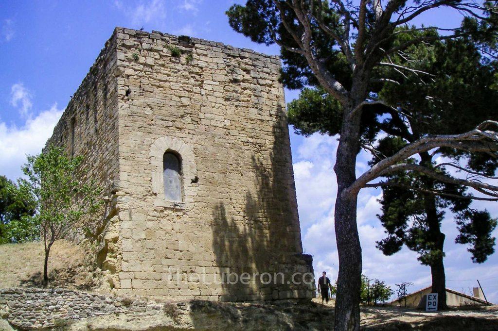 Donjon St Michel in Cucuron