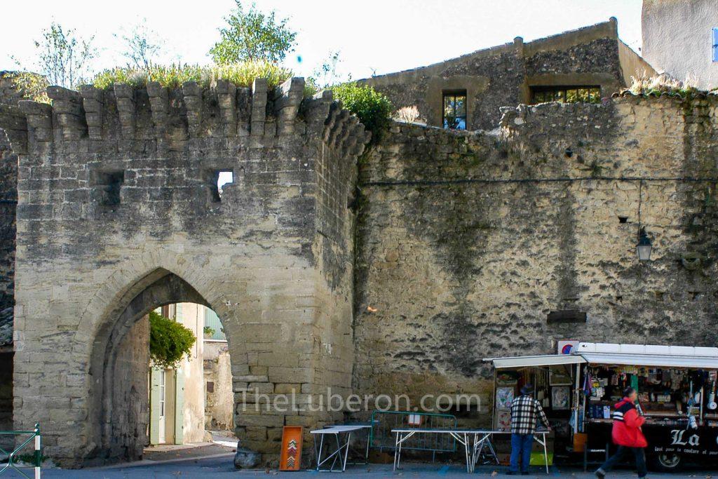 Cucuron village walls