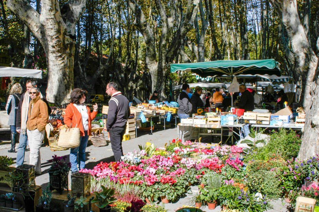 Cucuron market