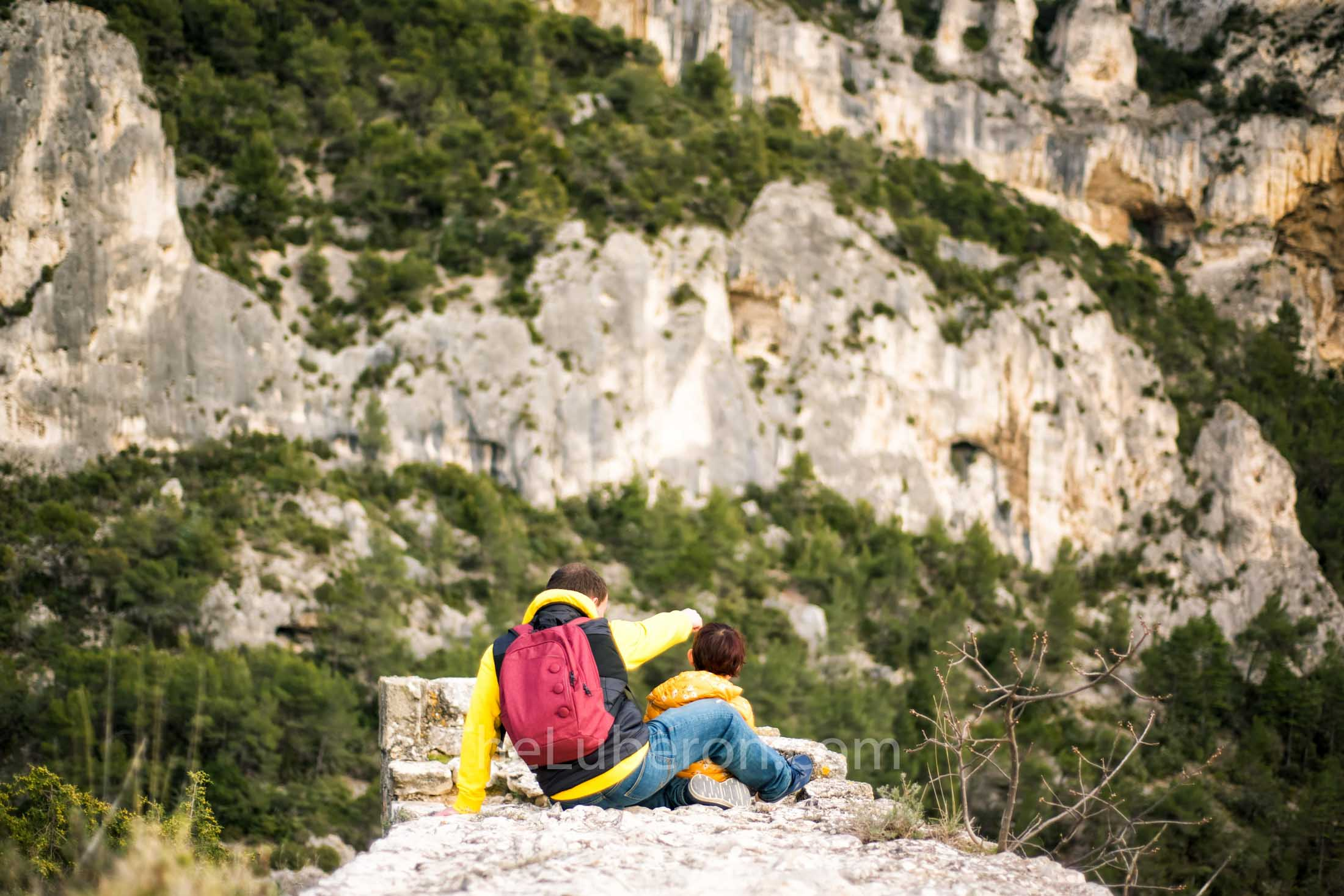 Luberon mountain hikers