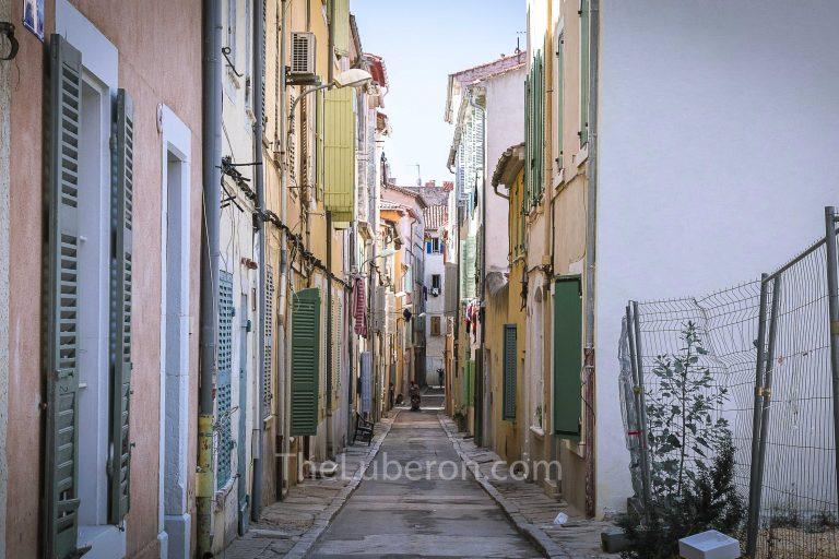 Narrow streets of La Ciotat