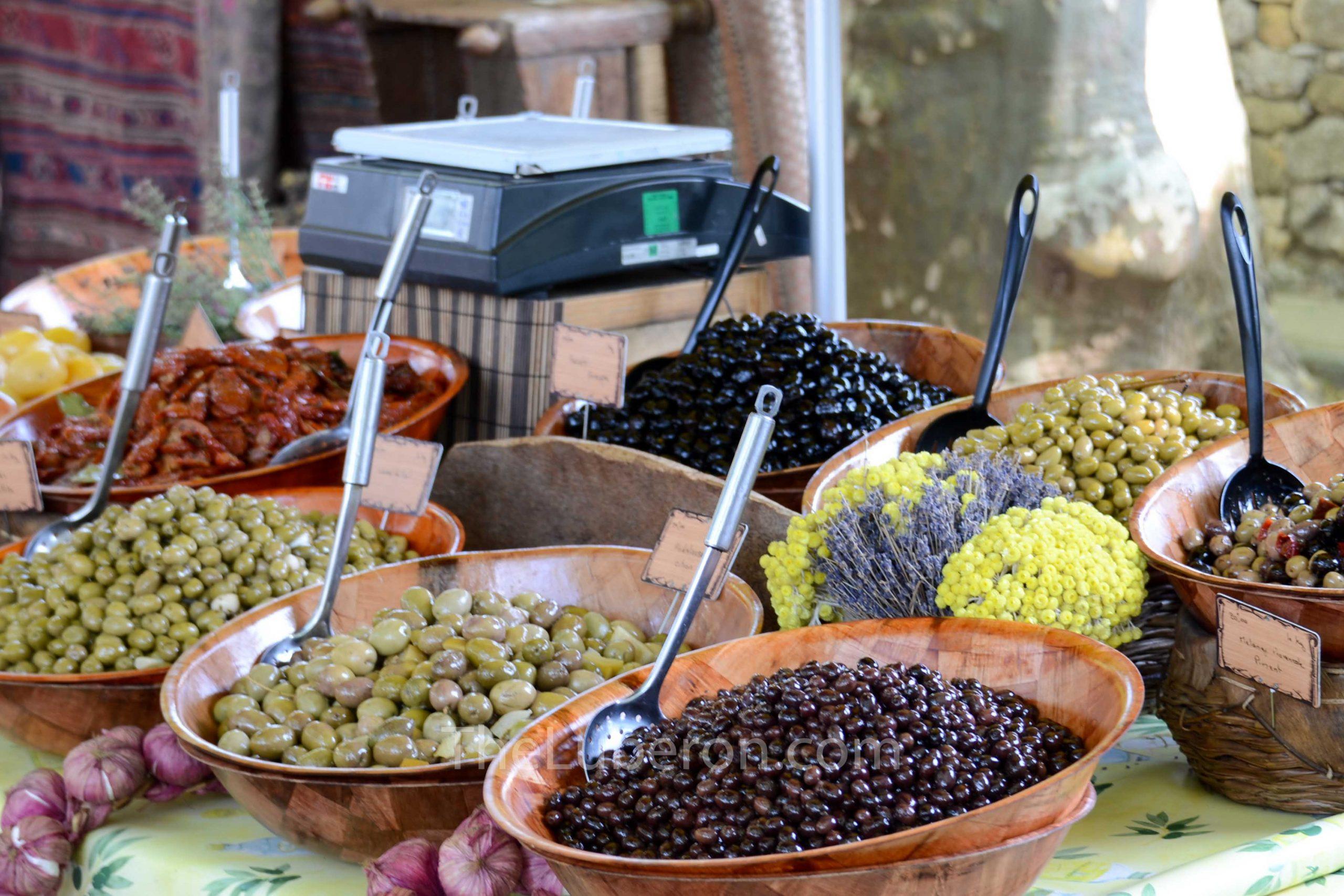 Olives at Lourmarin market