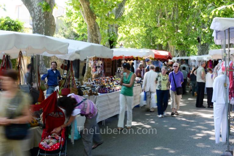 Walking through Lourmarin market