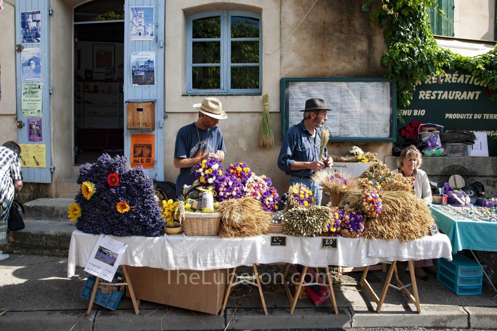 Dried flower stall at Lourmarin market