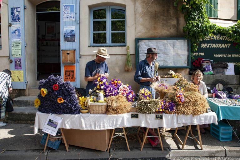 Dried flowers at Lourmarin market