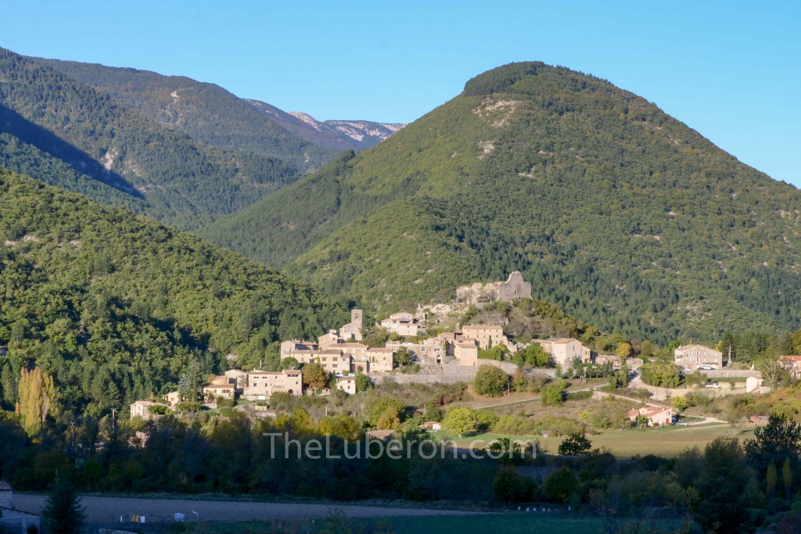 Reilhanette village in hills