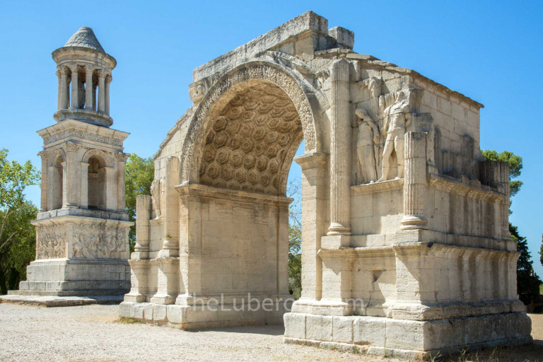 Arch and tower at Glanum