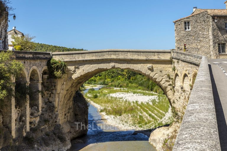 Roman bridge at Vaison-la-Romaine