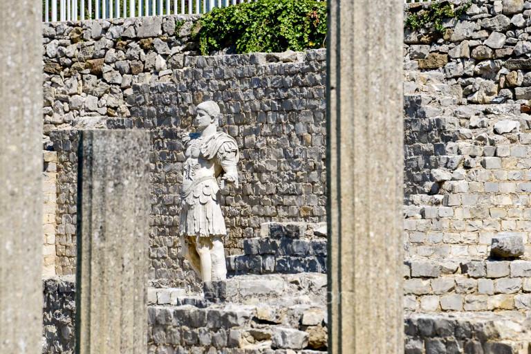 Statue at Vaison-la-Romaine