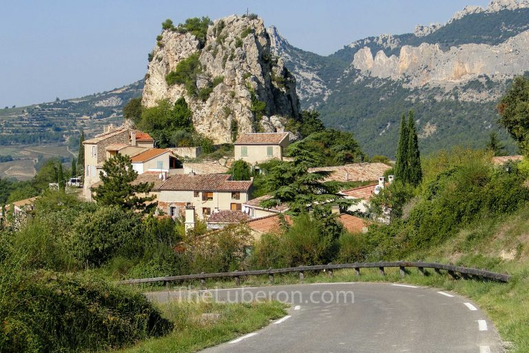 La Roque-Alric from the road