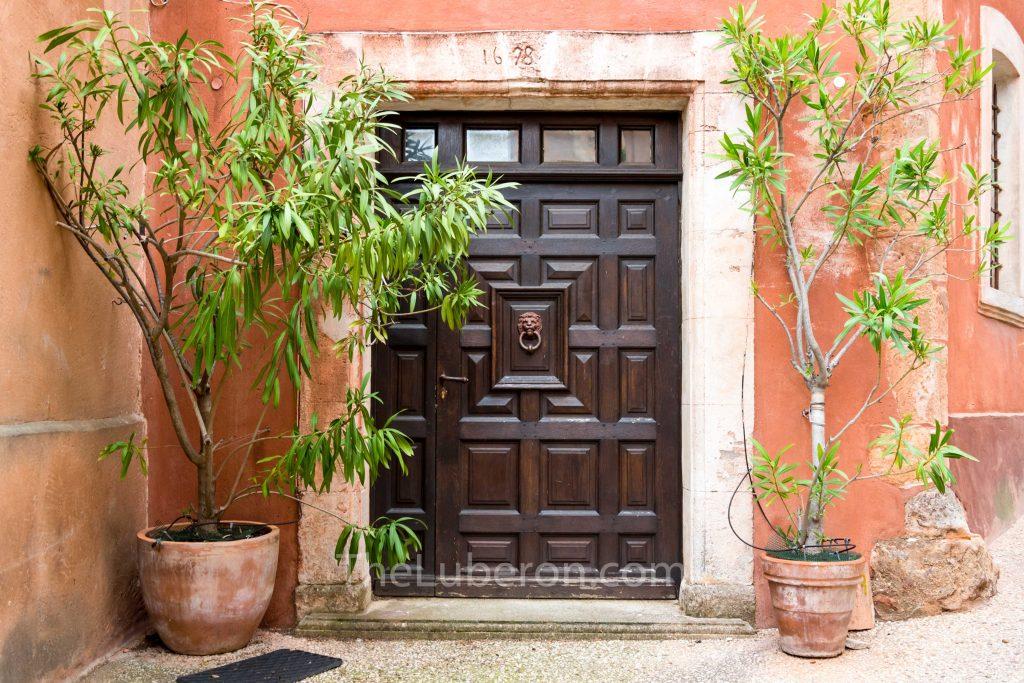 Roussillon fancy doorway