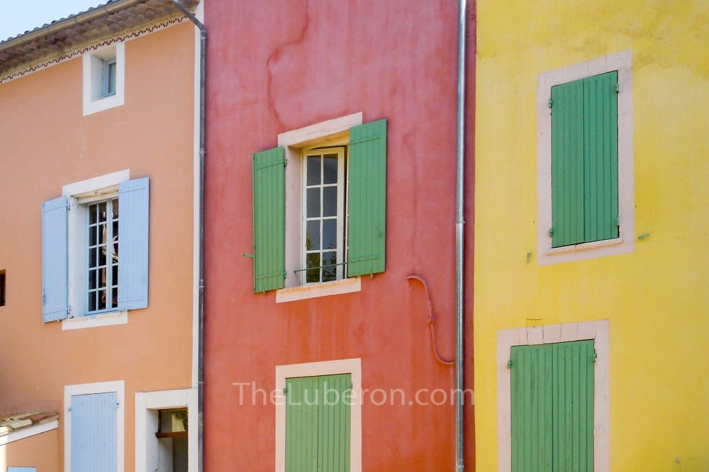 Roussillon coloured house fronts