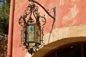 Roussillon lamp decoration
