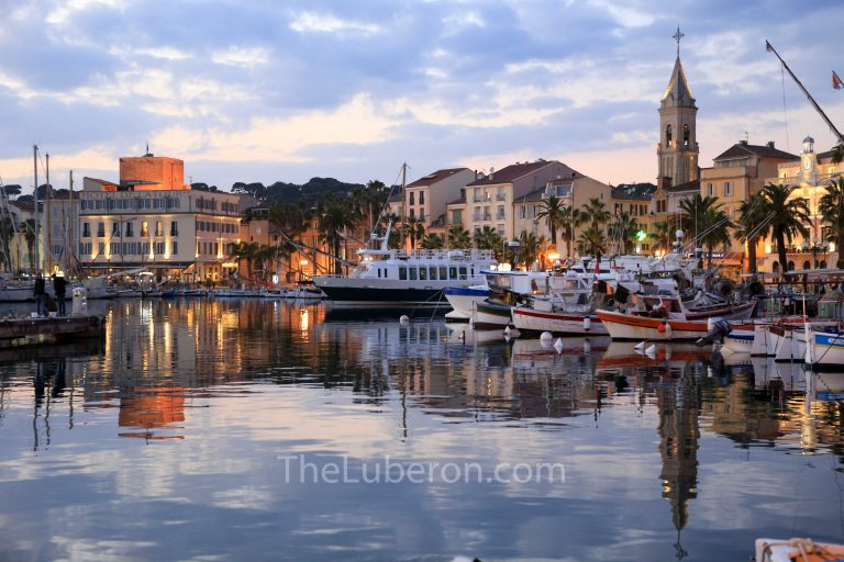 Evening harbour view at Sanary-sur-Mer
