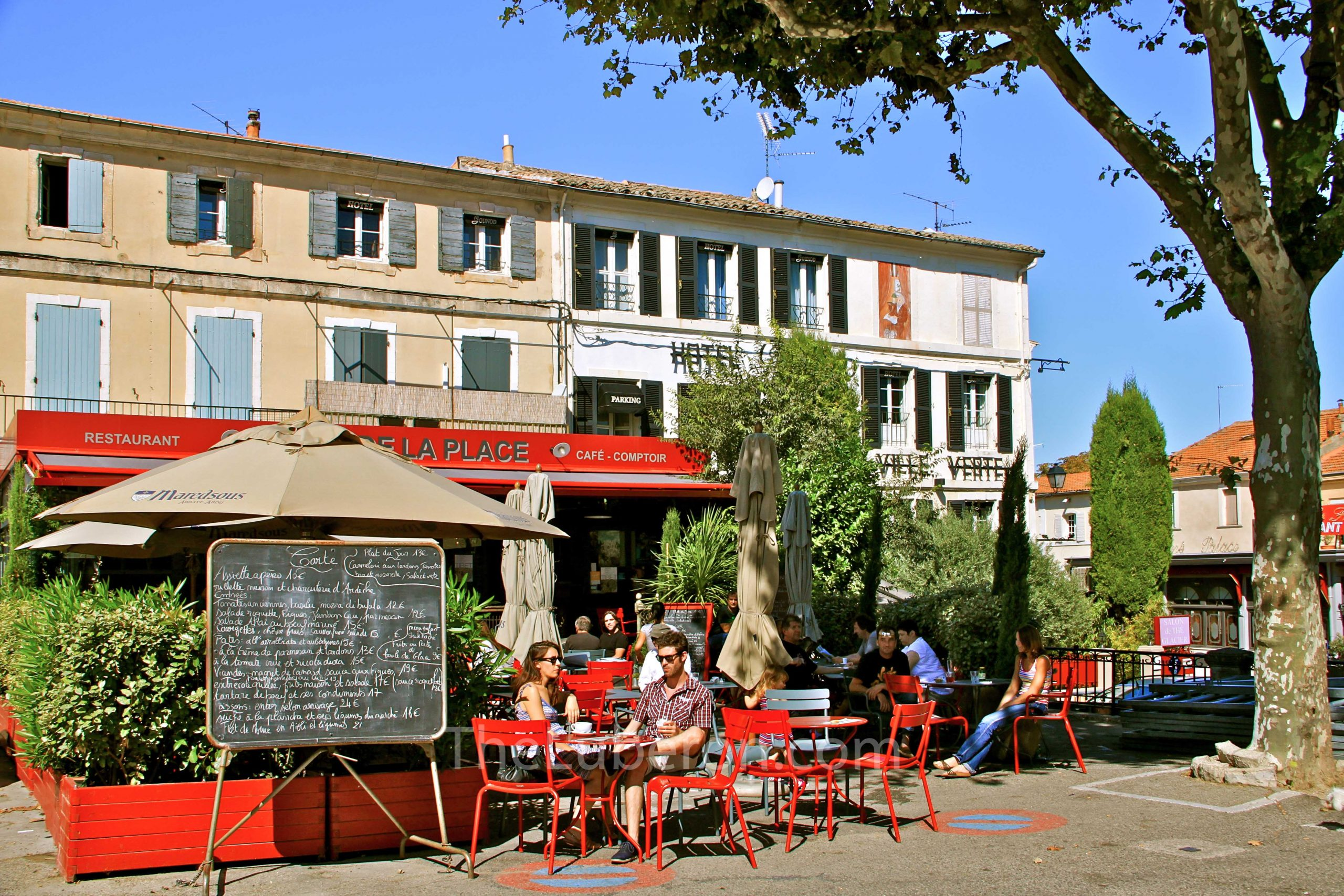 Central square restaurant in St-Remy-de-Provence