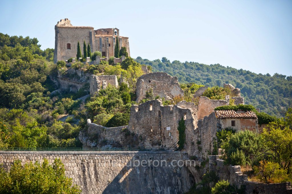 Castle ruins of St-Saturnin-les-Apt