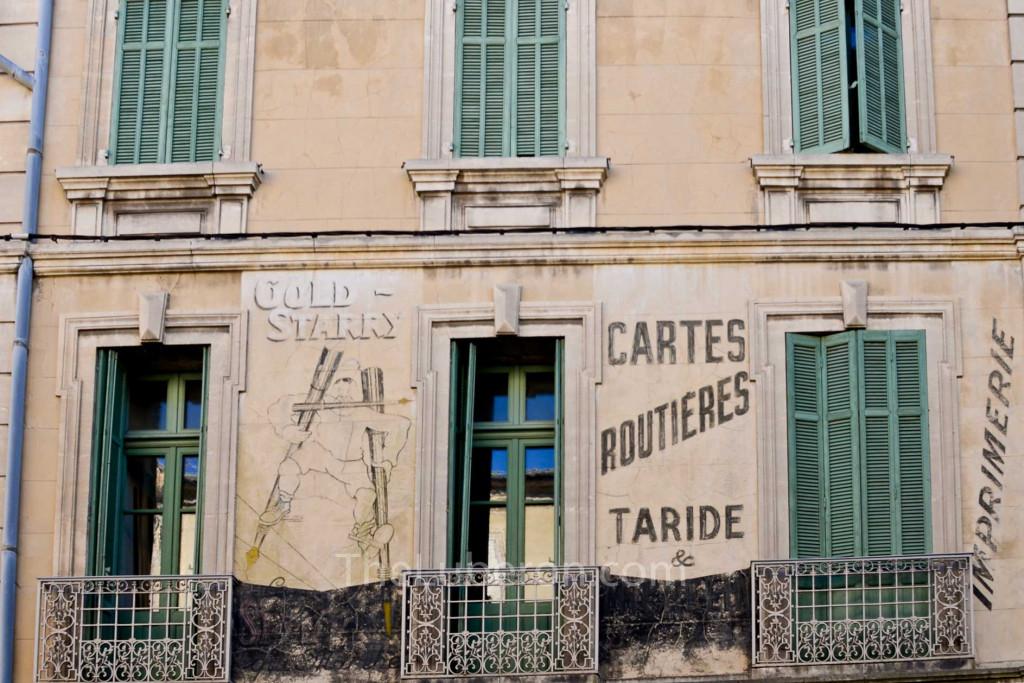 Cavaillon shutters