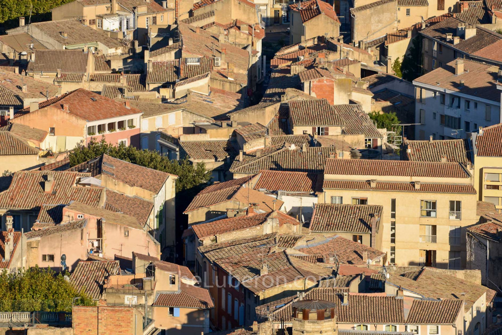 Cavaillon rooftops
